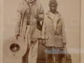Retratos de la visita de la delegación de indígenas kikapú a la corte de Maximiliano (4/4) (miembros de la tribu mascogodos), 1865, François Aubert, impresión a la albúmina sobre cartón, colección Serge Kakou.